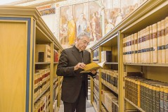 Mgr-Jean-Louis-Brugues-bibliotheque-Sainte-eglise-romaine