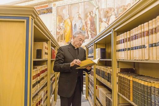 Mgr-Jean-Louis-Brugues-bibliotheque-Sainte-eglise-romaine